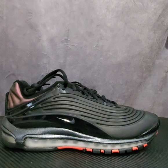 Nike air max deluxe new with out box